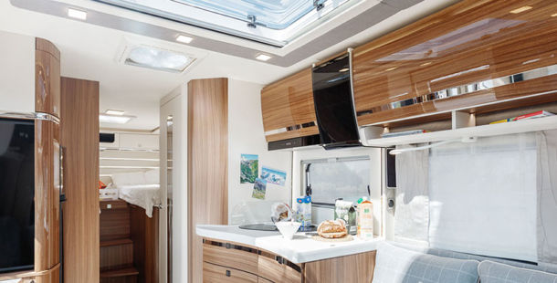 The new Contura: the new top class now nails its colours to the mast in the semi-integrated range too